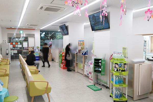 新浦安店 薬局内部